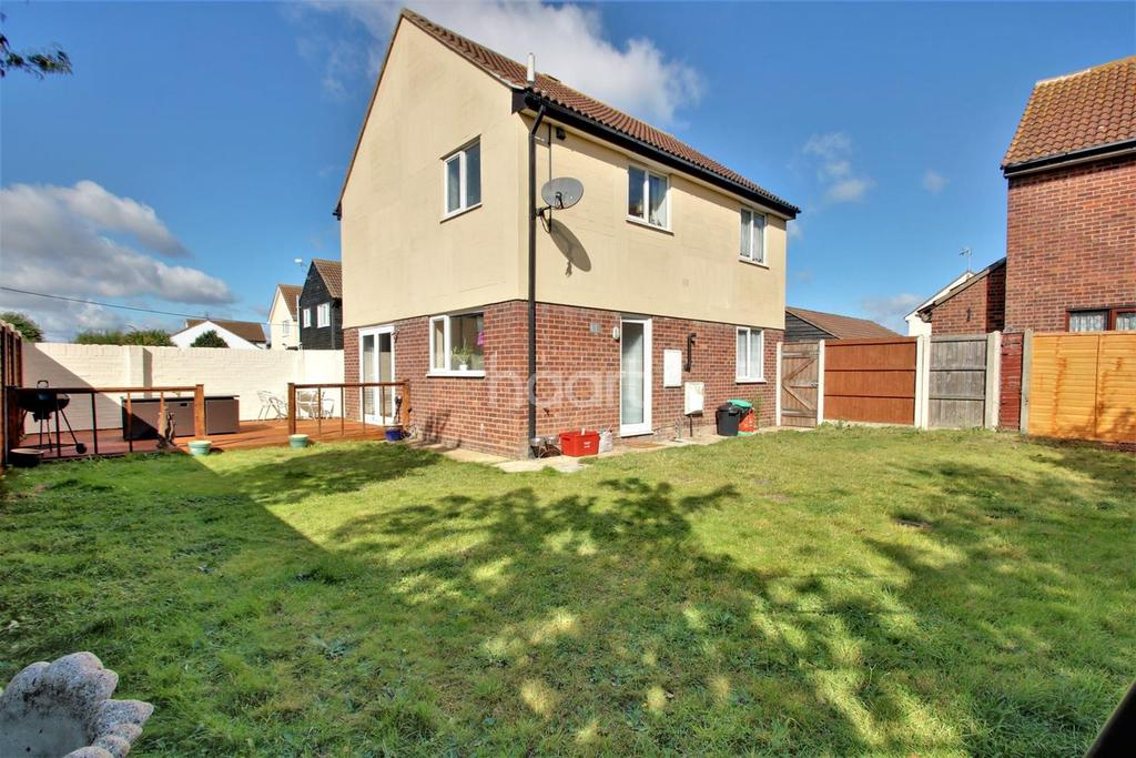 3 Bedrooms Detached House for sale in Clacton-on-sea