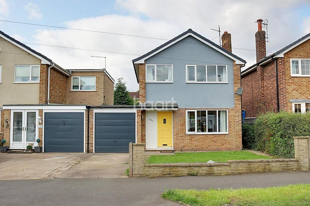 3 Bedrooms Detached House for sale in Walk Mill Drive, Hucknall