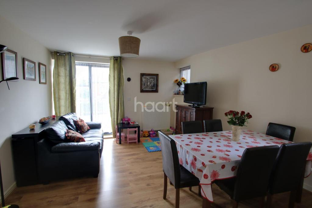 2 Bedrooms Flat for sale in West Street