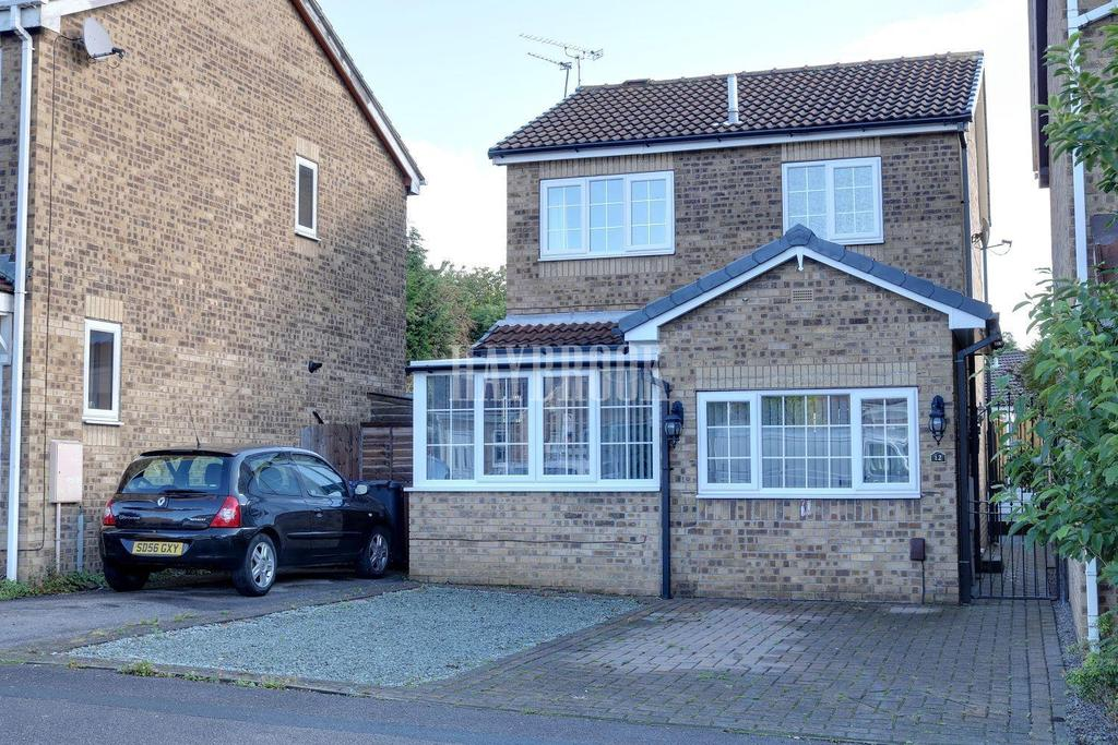 3 Bedrooms Detached House for sale in Cloverlands Drive, Staincross