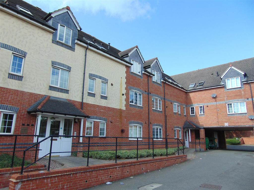 2 Bedrooms Flat for sale in Lichfield Road, Shelfield
