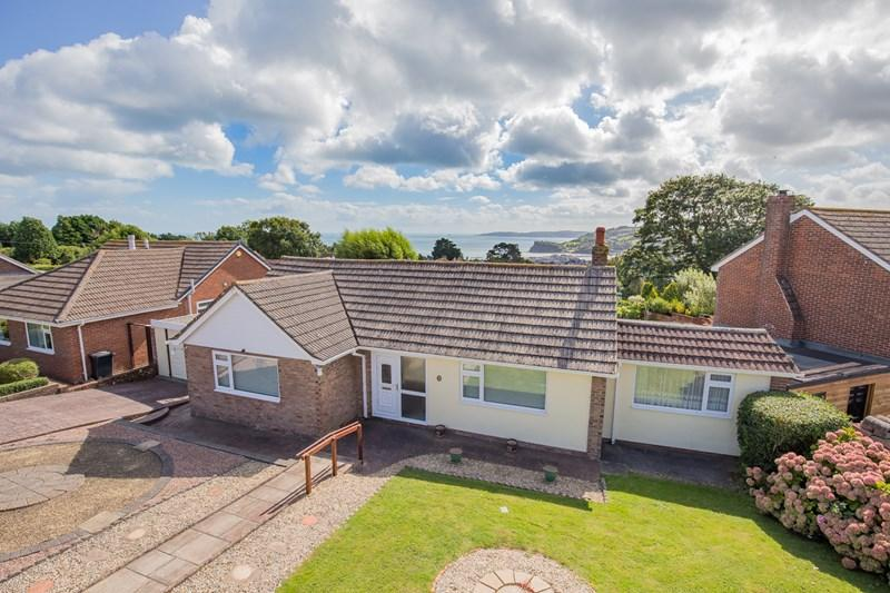 2 Bedrooms Detached Bungalow for sale in Higher Holcombe Road, Teignmouth