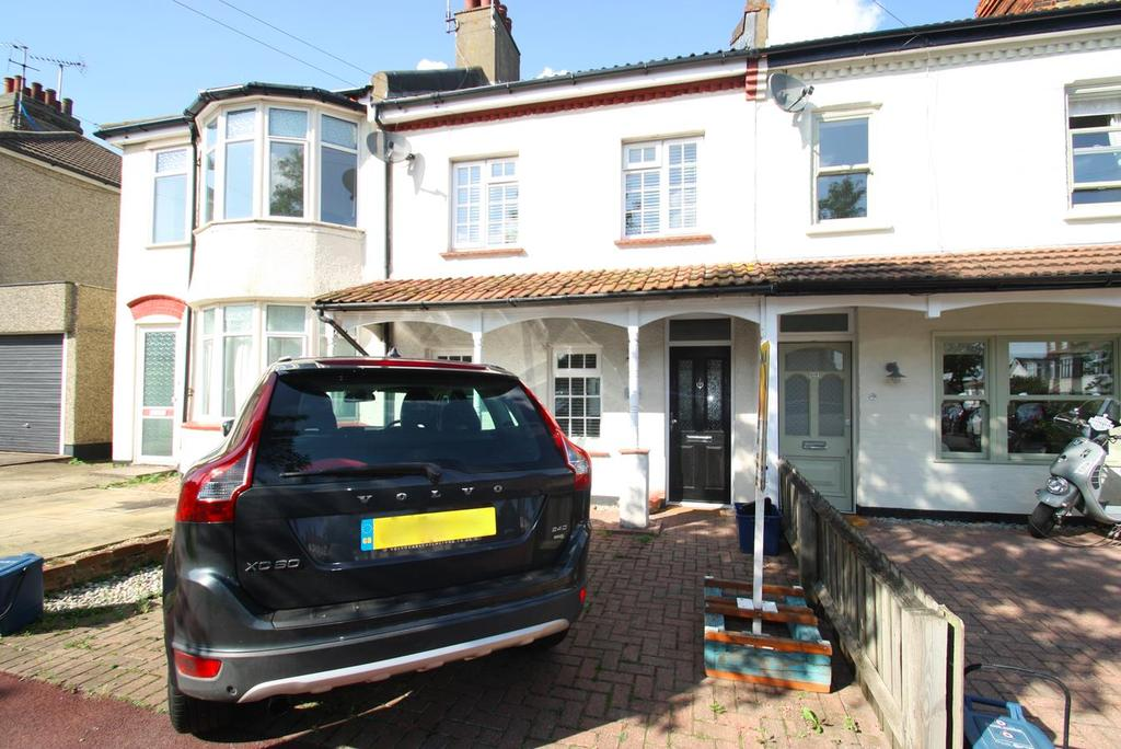 3 Bedrooms Semi Detached House for sale in Bailey Road, Leigh-On-Sea