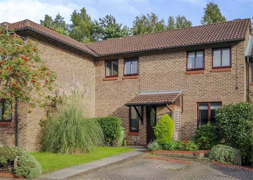 3 Bedrooms Terraced House for sale in Worlds End Hill, Forest Park, Bracknell, Berkshire