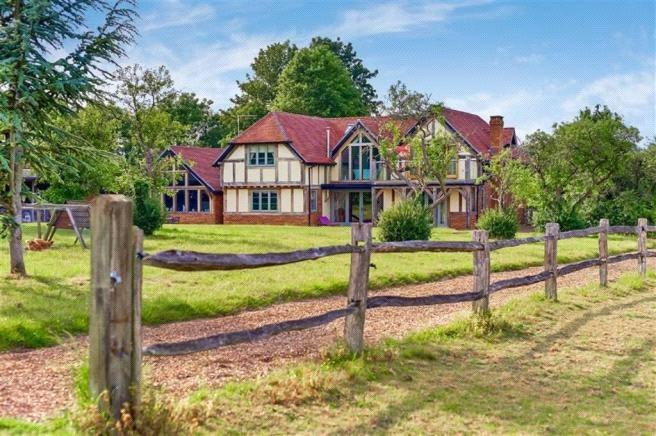 6 Bedrooms Detached House for sale in West Horsley, Between Cobham and Guildford, Surrey, KT24