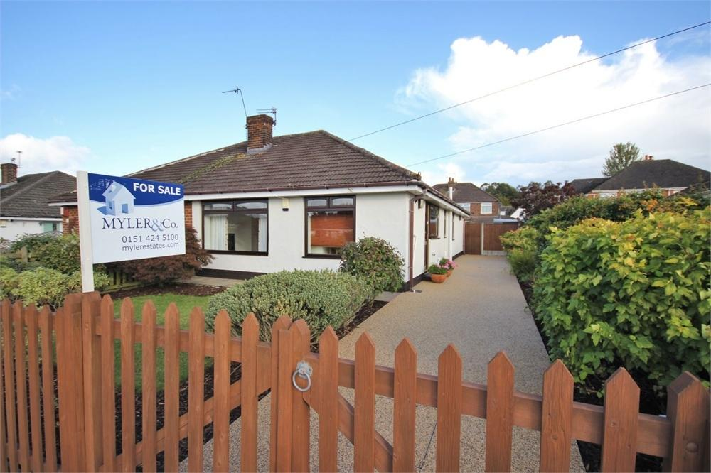 3 Bedrooms Semi Detached Bungalow for sale in St Stephen Road, Penketh, WARRINGTON, Cheshire