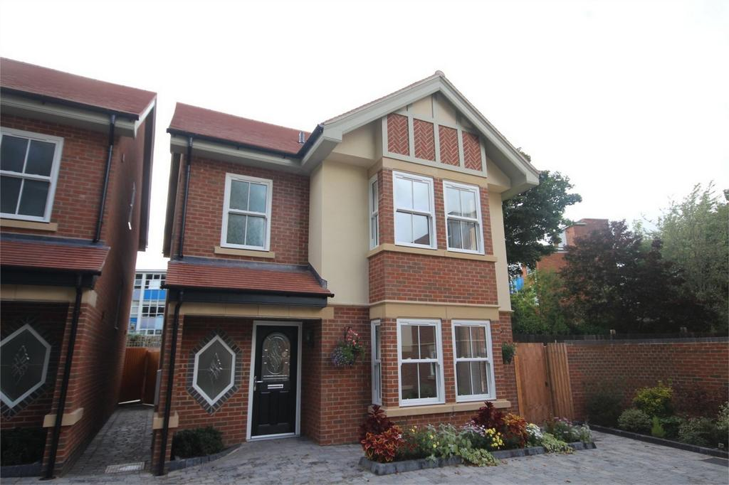 4 Bedrooms Detached House for sale in Earls Road, NUNEATON, Warwickshire