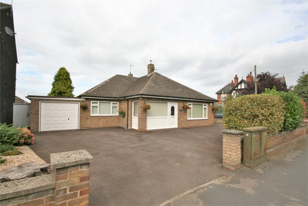 3 Bedrooms Detached Bungalow for sale in Willingham Road, Market Rasen, LN8