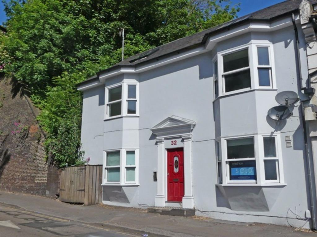 1 Bedroom Flat for sale in New England Road Brighton Easy Sussex BN1