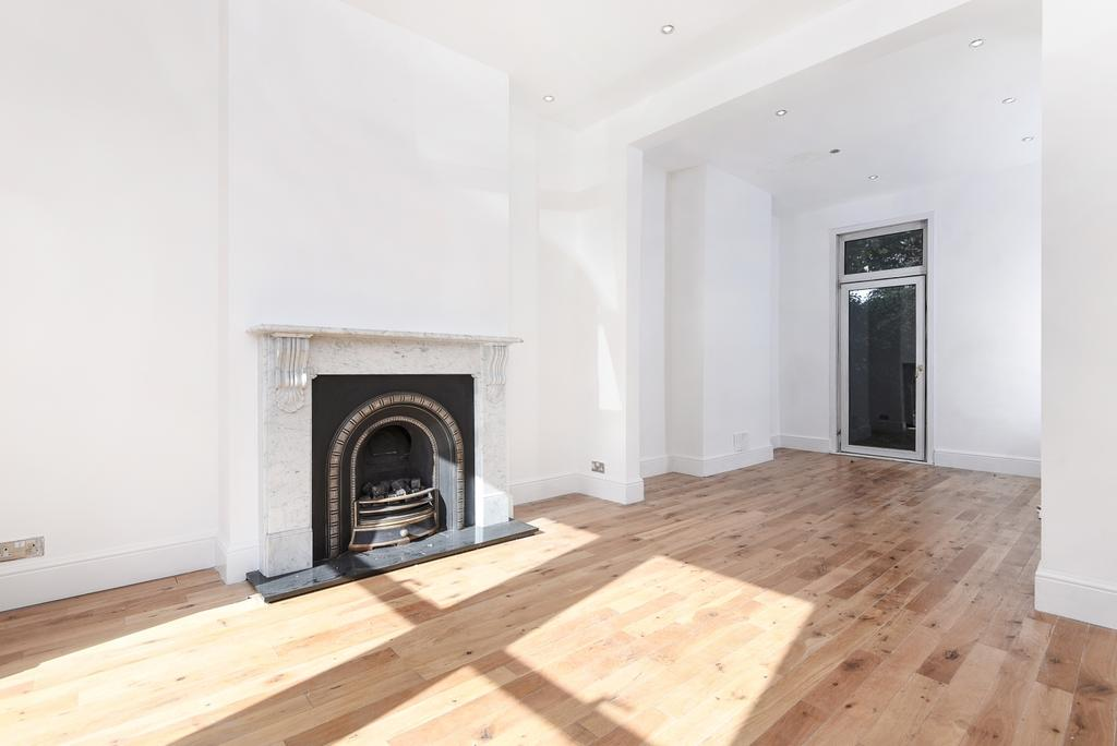3 Bedrooms End Of Terrace House for sale in Craigerne Road London SE3