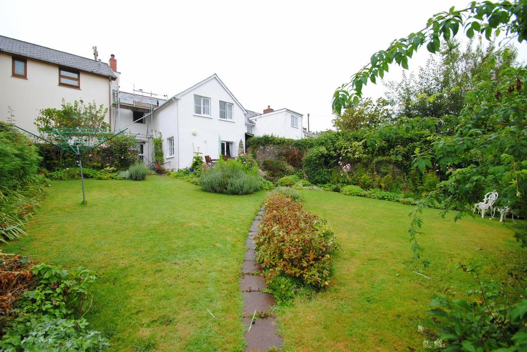 3 Bedrooms Terraced House for sale in Victoria Street, Combe Martin