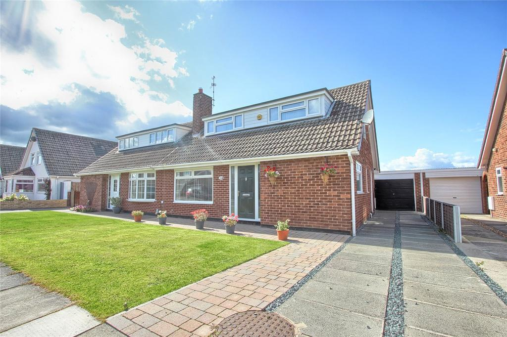 3 Bedrooms Semi Detached Bungalow for sale in Ludlow Crescent, Redcar