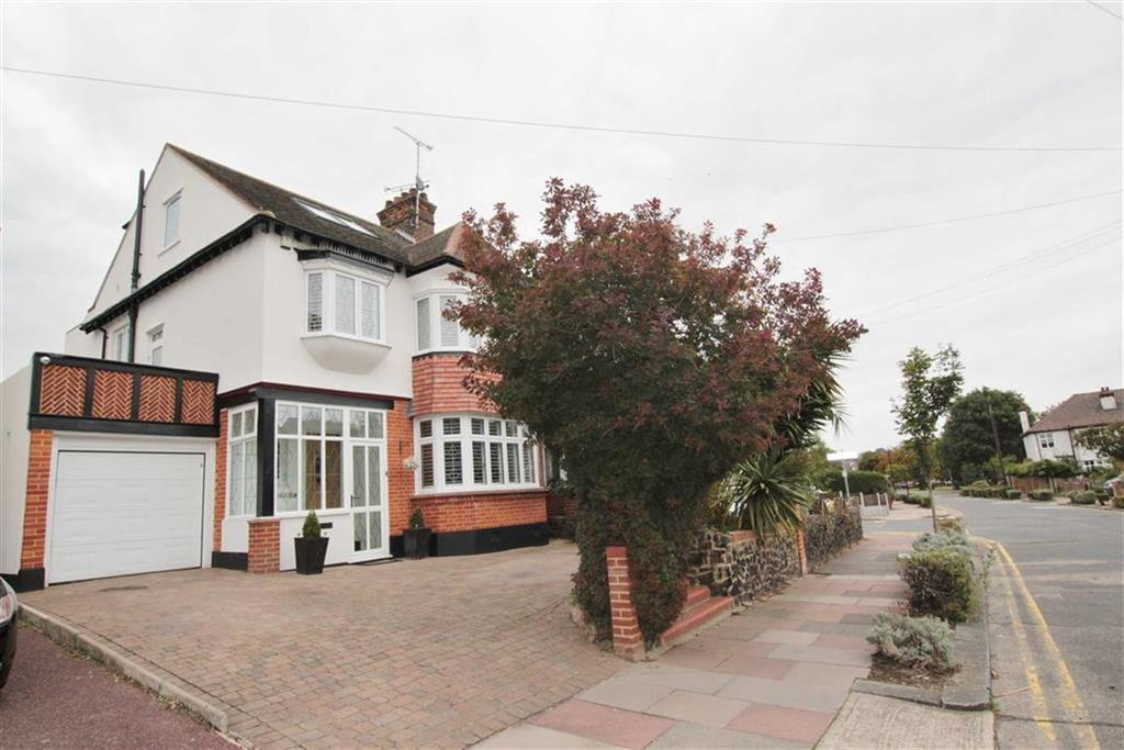 5 Bedrooms Semi Detached House for sale in The Crossways, Chalkwell, Essex