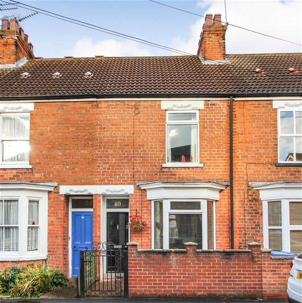 3 Bedrooms Terraced House for sale in Norwood Far Grove, Beverley, East Yorkshire