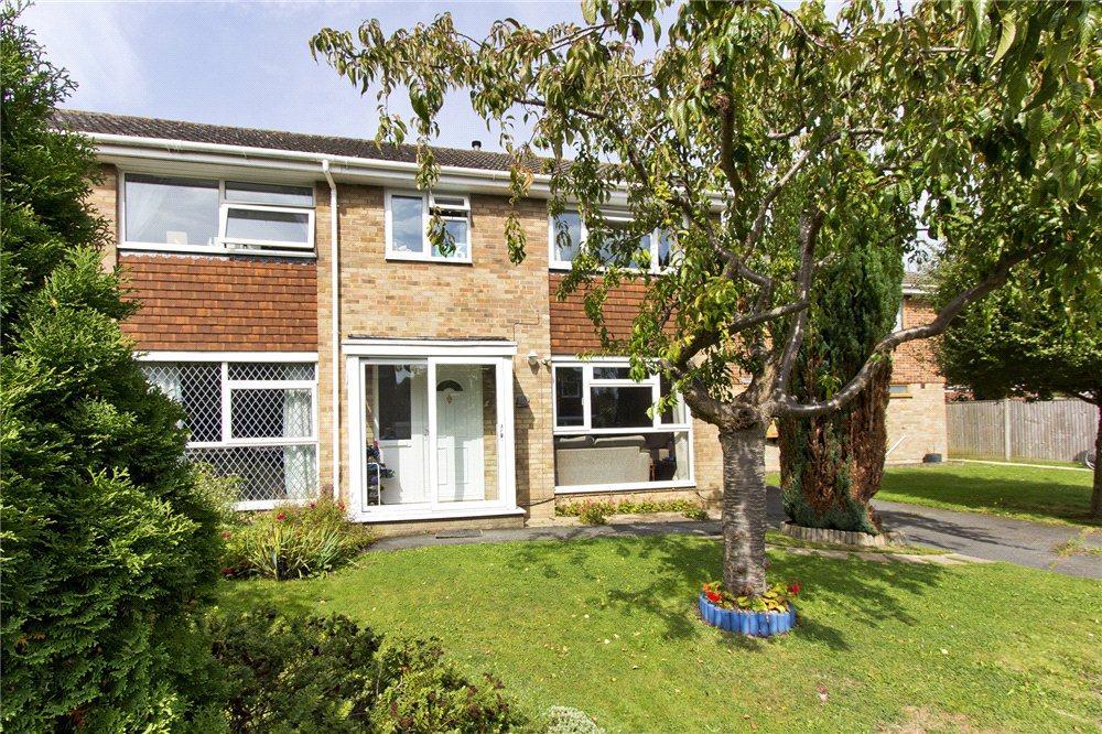 3 Bedrooms Semi Detached House for sale in Churchfield, Edenbridge, Kent