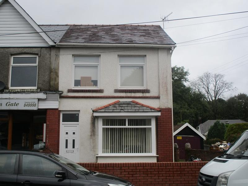 3 Bedrooms Terraced House for sale in Capitol Buildings, gurnos road, Ystradgynlais, Swansea.