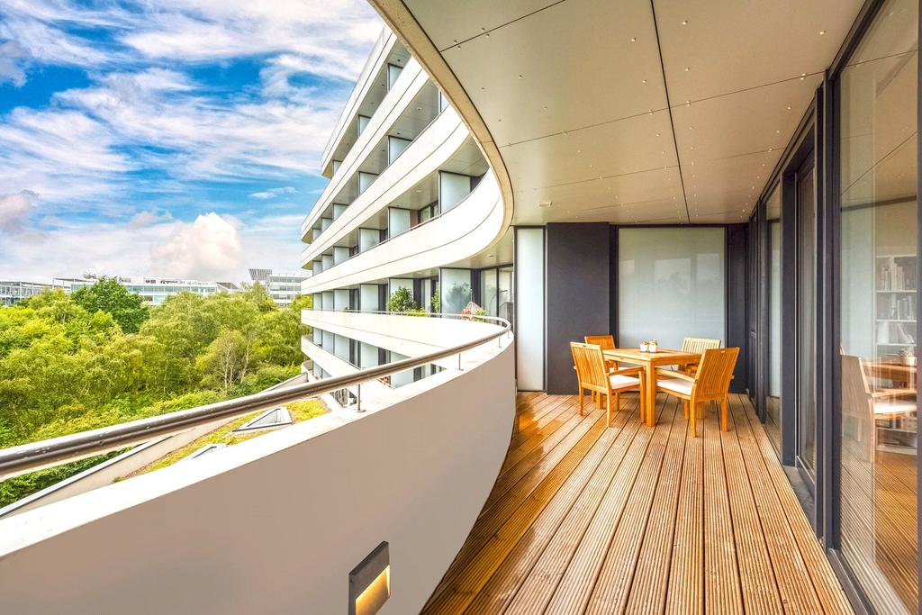 3 Bedrooms Flat for sale in Edmunds House, Colonial Drive, London