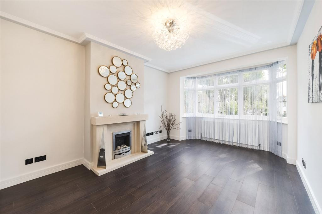 2 Bedrooms Flat for sale in Thornton Avenue, Chiswick, London