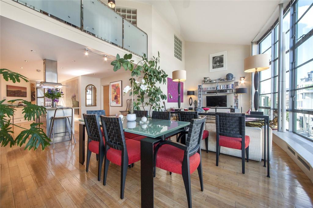 2 Bedrooms Flat for sale in Arlington Road, London