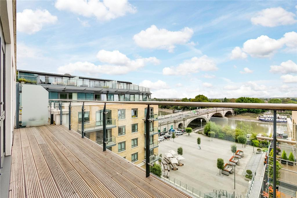 3 Bedrooms Flat for sale in Kew Bridge Road, Brentford, Middlesex