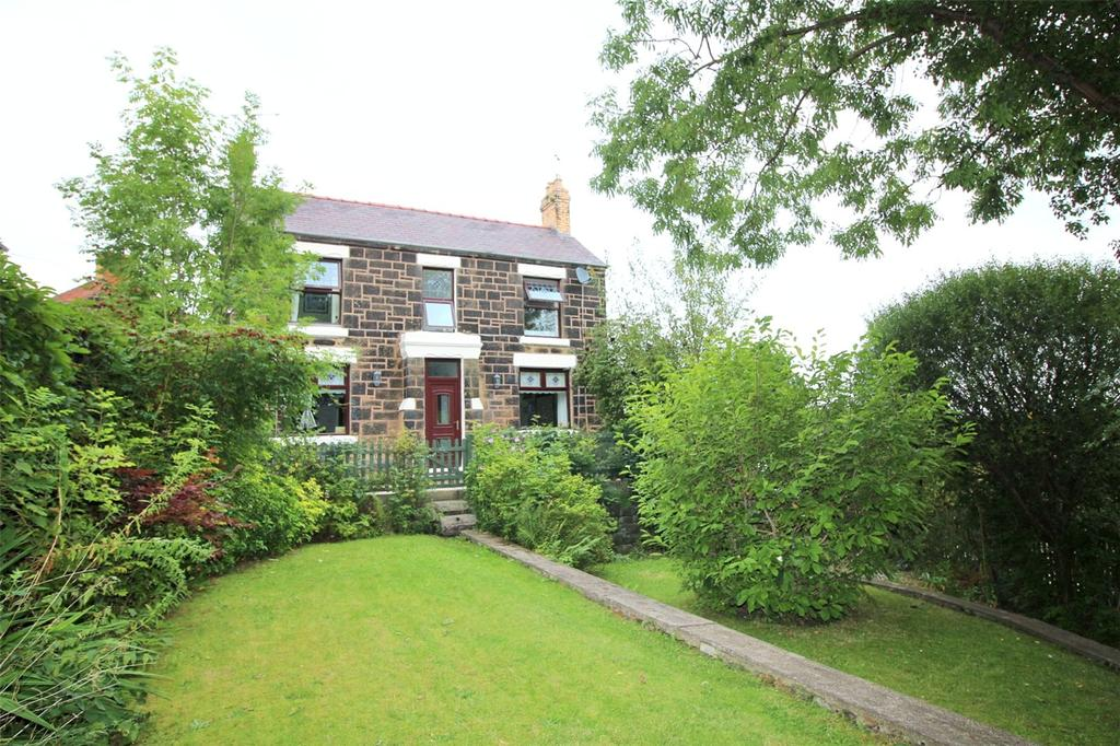3 Bedrooms Detached House for sale in Brynisa Road, Brynteg, WREXHAM, LL11