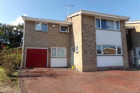 4 bedroom semi-detached house to rent - Wallasea Gardens, Chelmsford, Chelmsford