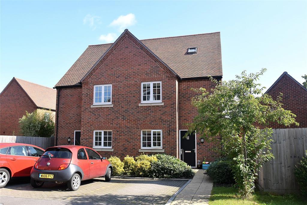 3 Bedrooms Semi Detached House for sale in Maida's Way, Aldermaston, Reading, Berkshire, RG7