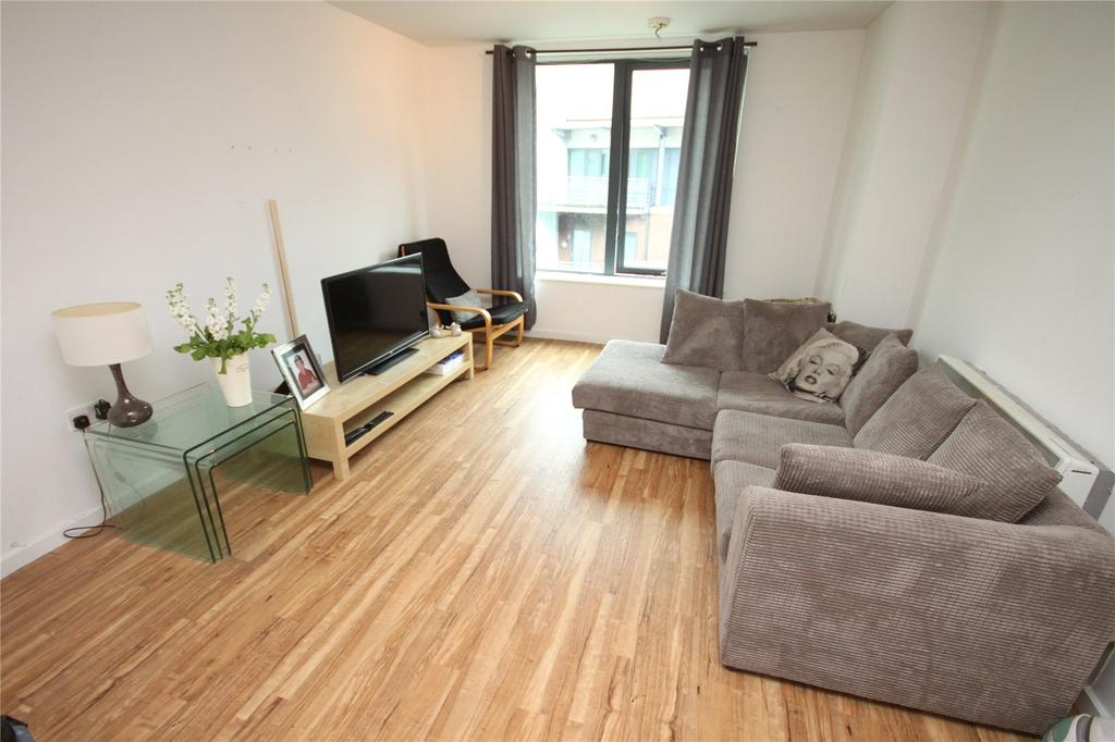 2 Bedrooms Flat for sale in City South, City Road East, Manchester, Greater Manchester, M15