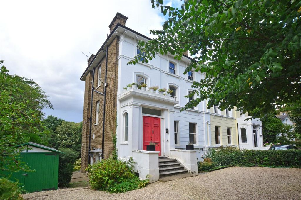 2 Bedrooms Flat for sale in The Glebe, Blackheath, London, SE3