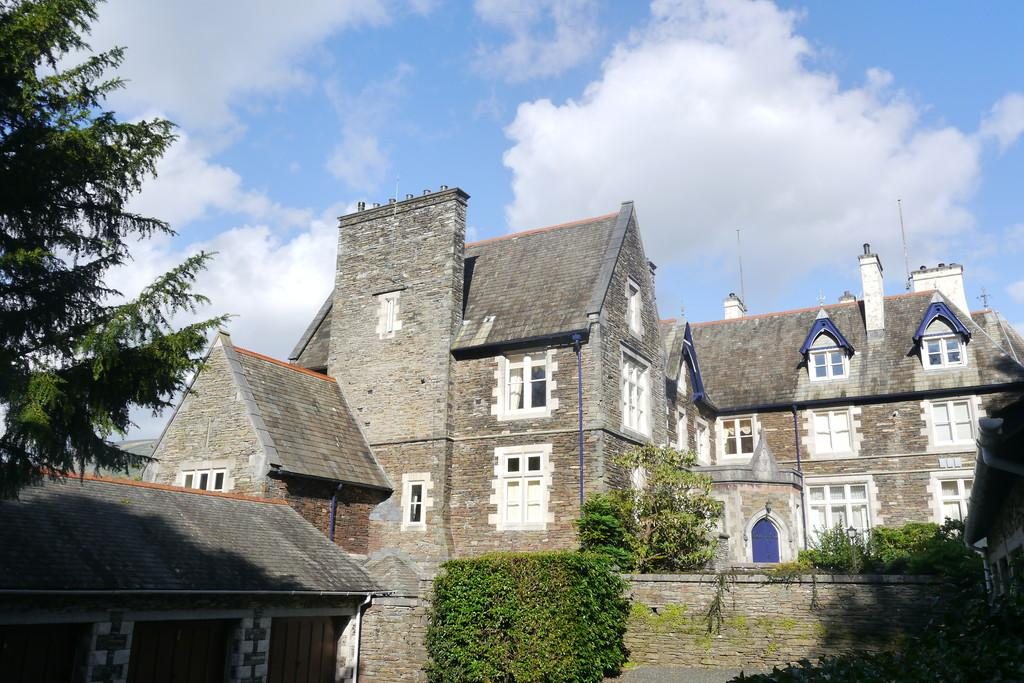 3 Bedrooms Apartment Flat for sale in Water Garden Suite, Loughrigg Brow, Under Loughrigg, Ambleside, LA22 9SA