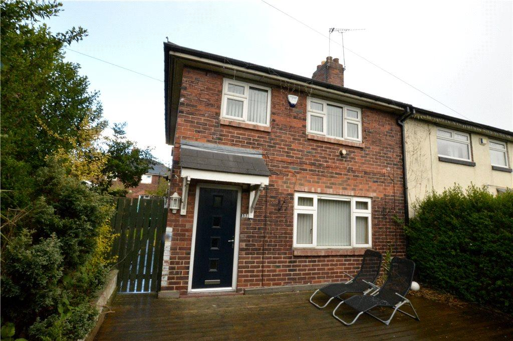 3 Bedrooms Semi Detached House for sale in Henconner Lane, Bramley, Leeds