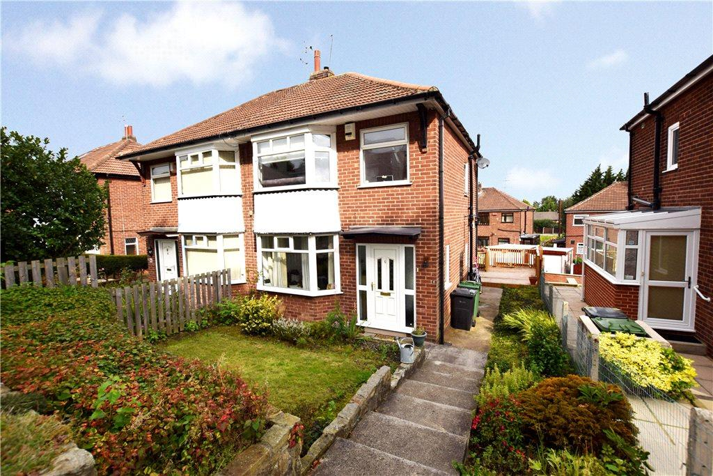 3 Bedrooms Semi Detached House for sale in Armley Grange Crescent, Leeds, West Yorkshire