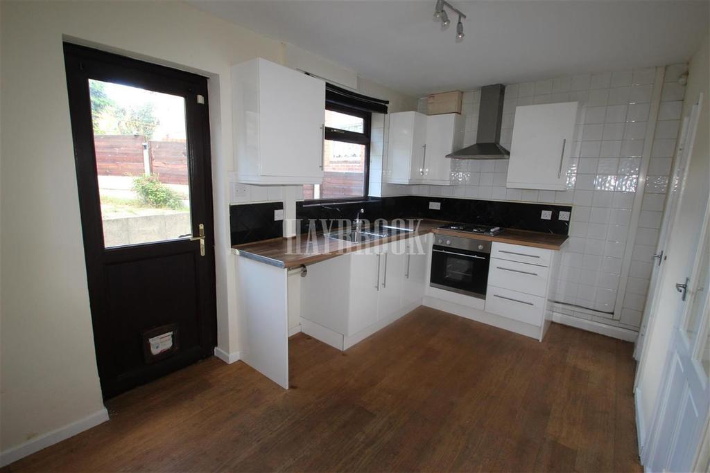 2 Bedrooms Semi Detached House for rent in Ilkley Road, Sheffield S5