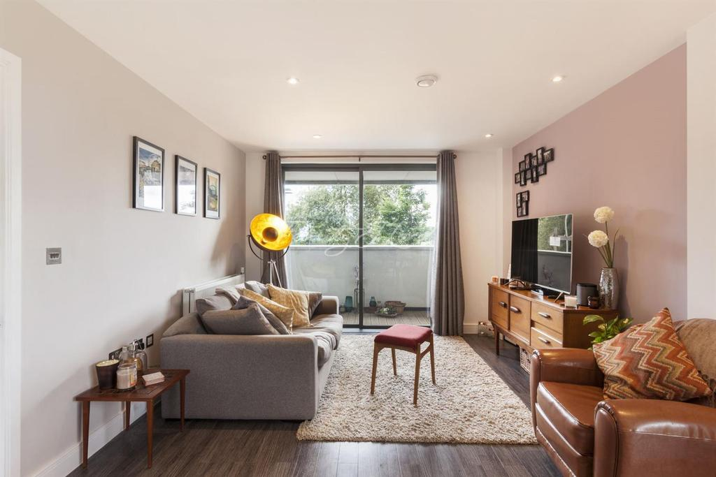1 Bedroom Flat for sale in Barley Court, Essex Wharf, Clapton, E5