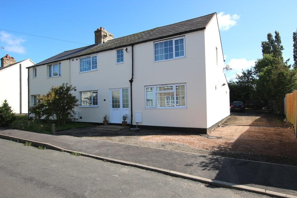 3 Bedrooms Semi Detached House for sale in Park Road, Sutton