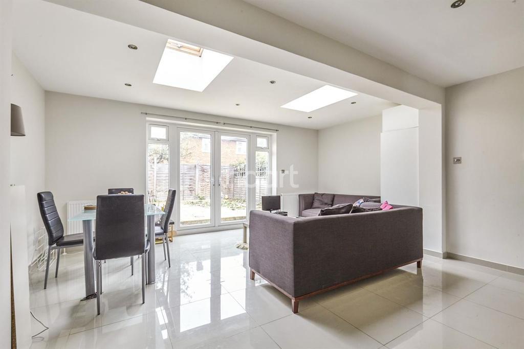 4 Bedrooms Terraced House for sale in Deeside Road, Earlsfield