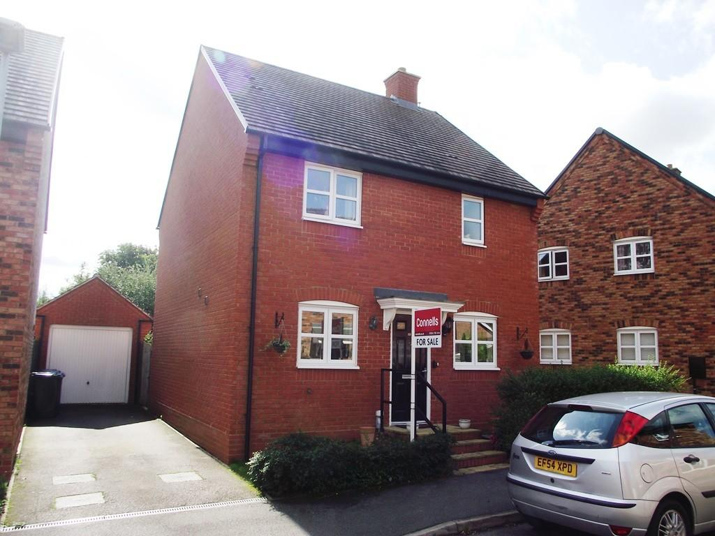 3 Bedrooms Detached House for sale in Malus Field, Pattishall