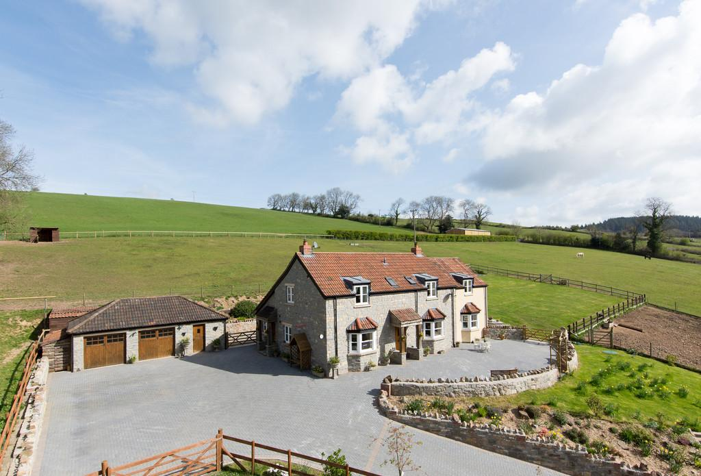 4 Bedrooms Detached House for sale in Superb individual property set in 3.5 acres in Shipham