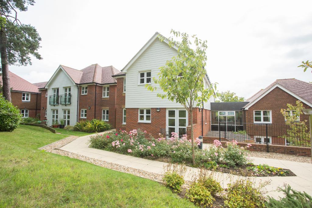 1 Bedroom Retirement Property for sale in Ridgeway Court, High Street, Heathfield, East Sussex, TN21 8GB