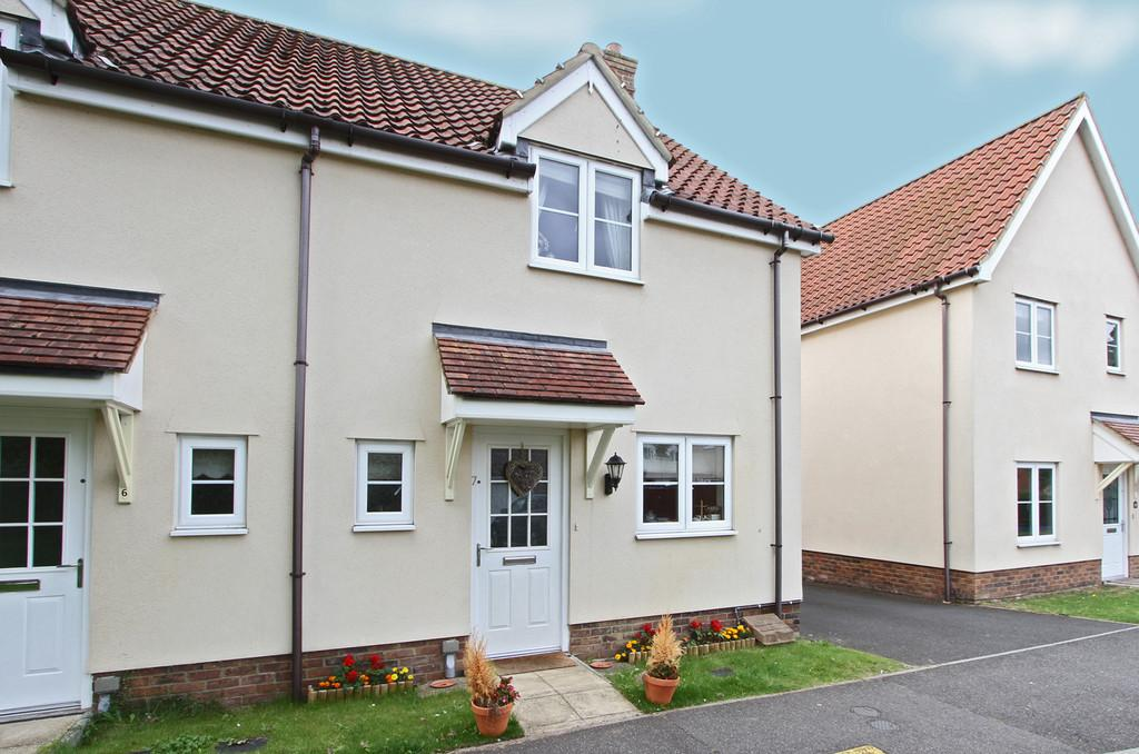 2 Bedrooms Semi Detached House for sale in Great Melton Close, Hethersett