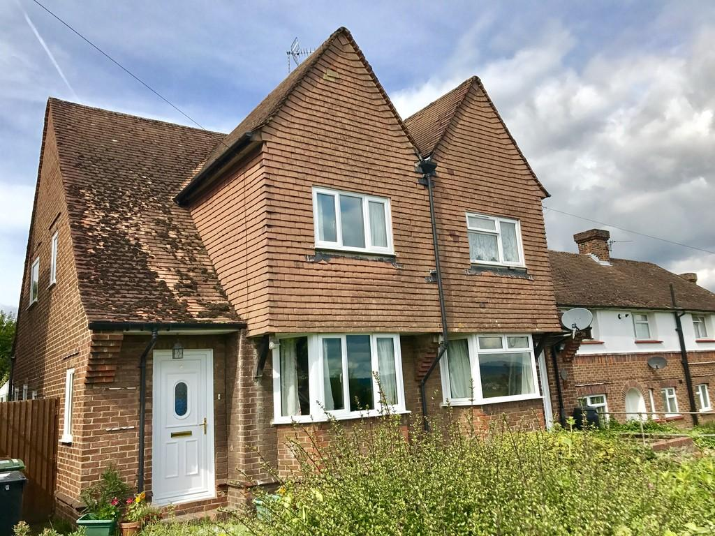 3 Bedrooms Semi Detached House for sale in Vicarage Lane, East Farleigh, Maidstone