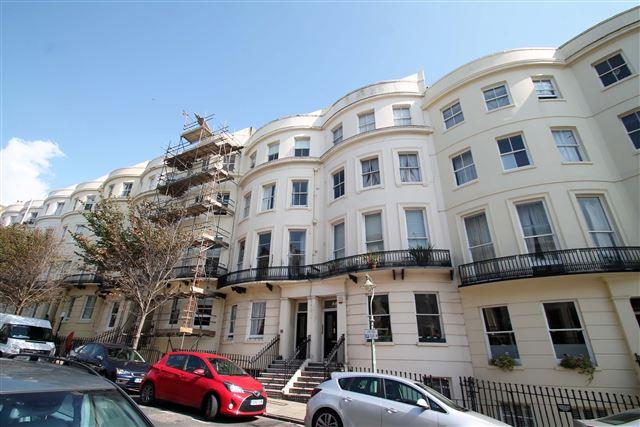 2 Bedrooms Flat for sale in Brunswick Place, Hove