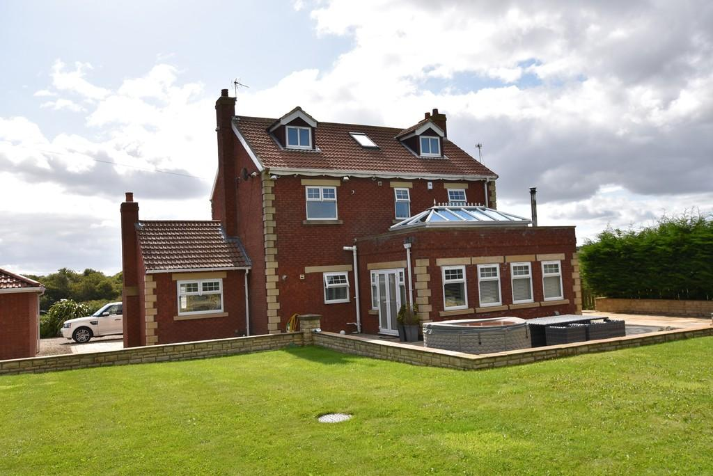 4 Bedrooms Detached House for sale in Newton Garth Farm, East Boldon