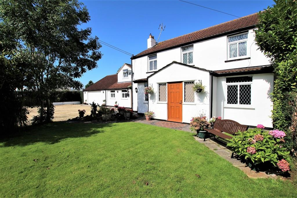 6 Bedrooms Semi Detached House for sale in Main Road, Hewish