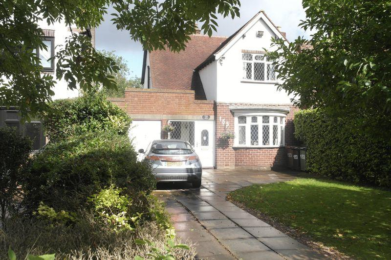3 Bedrooms Detached House for sale in The Crescent, Walsall