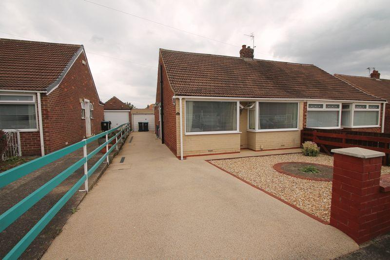 2 Bedrooms Semi Detached Bungalow for sale in Carmel Gardens, Brookfield