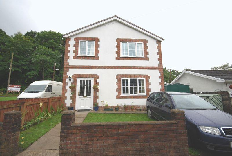 3 Bedrooms Detached House for sale in 29a Maes Y Tyra, Resolven, Neath, SA11 4NN
