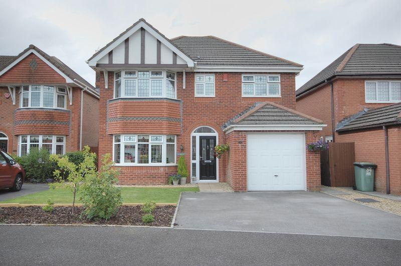4 Bedrooms Detached House for sale in 35 Clos Brenin, Brynsadler, Pontyclun, CF72 9GA