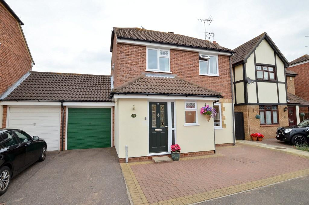 3 Bedrooms Link Detached House for sale in Valley Walk, Felixstowe