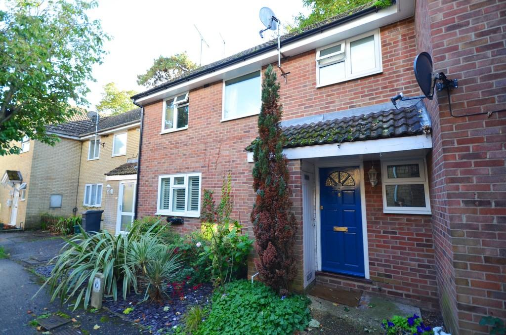 3 Bedrooms Terraced House for sale in Hewitt Walk, Witham, CM8 2TU